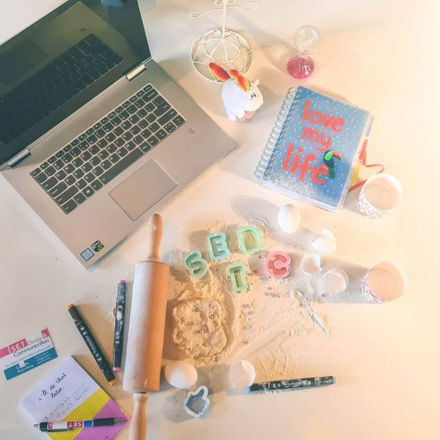 Het bouwen van een website ingewikkeld? Nee joh, net zo makkelijk als het bakken van een cake!De eerste mensen zijn begonnen met het testen van mijn #wordpresscursus! Nog even geduld, volgende week komt de cursus online en kan ook jij leren hoe je zelf een website kunt maken in #wordpress. . . . #vrouwelijkeondernemer #ondernemer #eigenbedrijf #marketing #support #wordpress #wordpresscursus #contentbeheer #website #webbouwer #webdesign #design #zzp #zzper #kvk #kleinbedrijf #socialmedia  #ondernemerschap #zakenvrouw  #vrouwelijkeondernemers #ondernemersvrouwen #businesswoman #businessbabesnl #ondernemendevrouwen #ambiteuzemeisjes #girlbossnl #girlboss