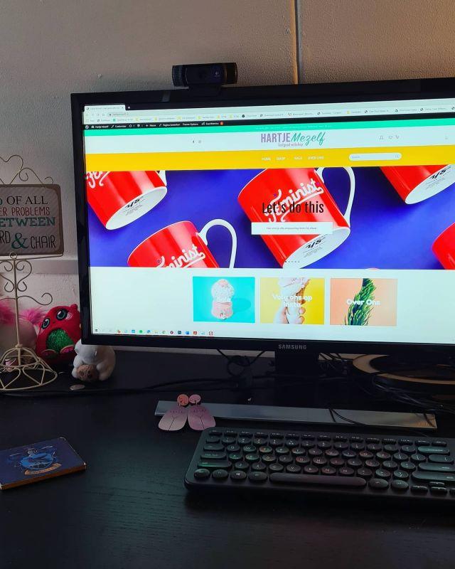 Onee paniek! De webshop van @hartjemezelf was offline! Dus ik ben aan de slag gegaan om haar webshop zo snel mogelijk op te schonen en weer online te zetten. Net op tijd voor de grote sale! . . . #vrouwelijkeondernemer #ondernemer #eigenbedrijf #marketing #support #wordpress #wordpresscursus #contentbeheer #website #webbouwer #webdesign #design #zzp #zzper #kvk #kleinbedrijf #socialmedia  #ondernemerschap #zakenvrouw  #vrouwelijkeondernemers #ondernemersvrouwen #businesswoman #businessbabesnl #ondernemendevrouwen #ambiteuzemeisjes #girlbossnl #girlboss #setdc